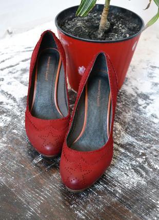 Вишневые кожаные туфельки roberto santi