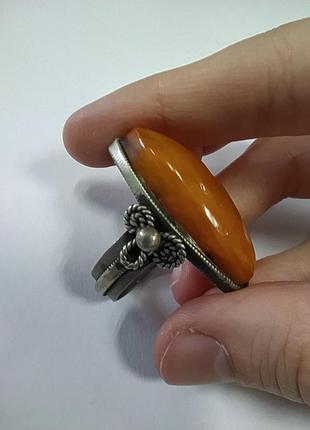Винтажное кольцо старинное крупный янтарь мельхиор 17 размер