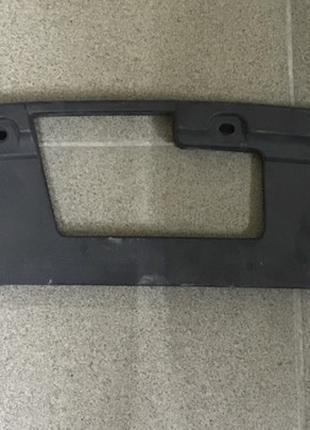 Накладка пластик замка капота Ford Explorer FB5Z8A284AA
