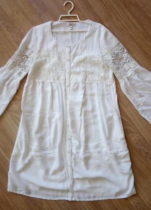 Стильное, свободное, кружевное платье-туника белого цвета