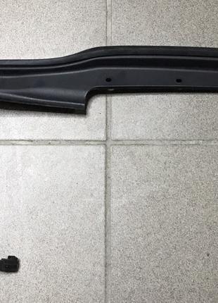 Накладка двери багажника правая Ford Escape Kuga MK 2 14-16