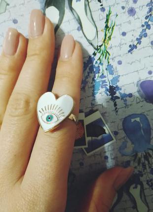 Большое стильное  кольцо сердце