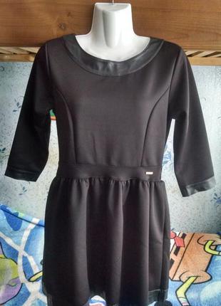 Черное платье с кожаными вставками 44р