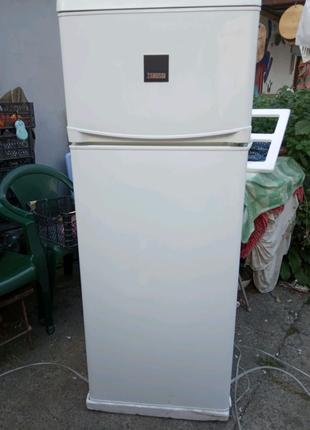 Холодильник новый.