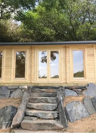 Дом деревянный из профилированного бруса 4х8.