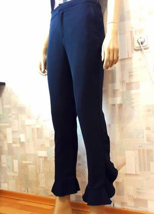 Стильные синие брюки с рюшами оборками от zara