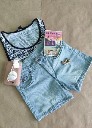 Женские джинсовые шорты denim
