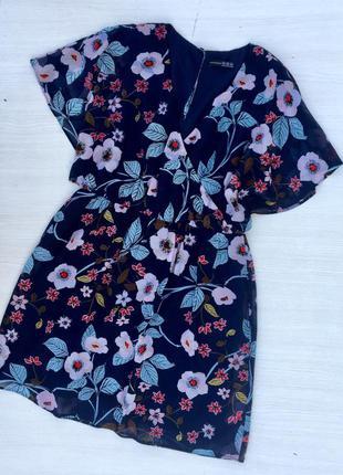 Красивое шифоновое платье в цветы atmosphere