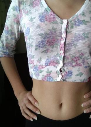 Укороченная футболка edc блуза кроп-топ на пуговках /s/нежная ...