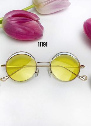 Трендовые солнцезащитные очки с желтыми линзами к.11191