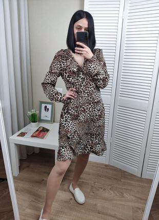 Платье на запах в хищный принт vila, p-p l/м