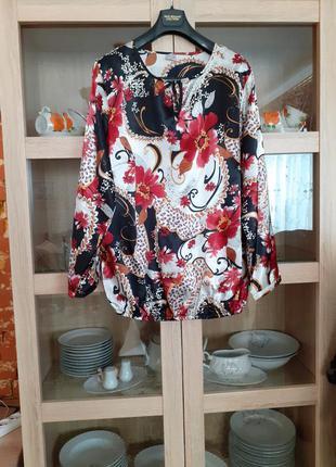 Красивый в цветы  блузон большого размера