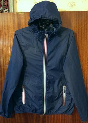 Практичная куртка ветровка  дождевик размер 48-50.