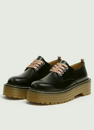 Стильные туфли ботинки на тракторной подошве pull&bear