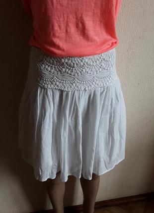 Белая юбка на лето