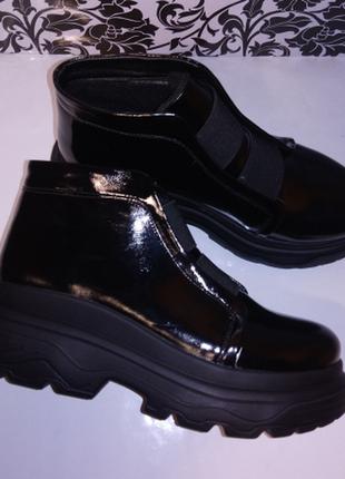 Женские лаковые ботинки весна/осень
