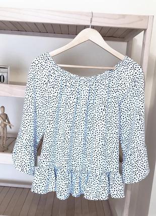 Блуза в горошек с воланами рюшами sinsay