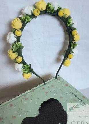 Обруч-венок с цветами ручной работы