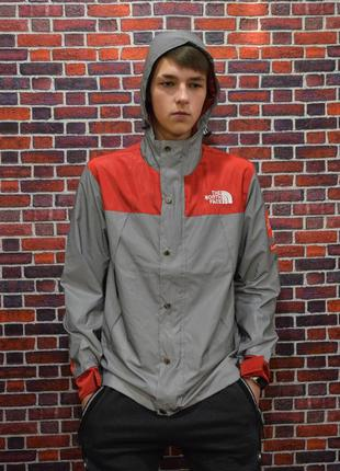 Рефлективная куртка supreme x the north face red