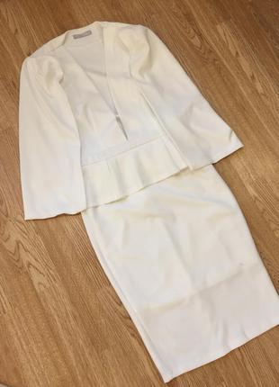 Нарядное оригинальное  вечернее платье пиджак с баской