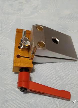 Поворотный механим для точилки ножей