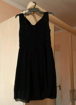 Отличные платья,отдаю почти даром
