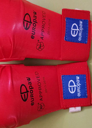 Перчатки для карате, одобрено WKF