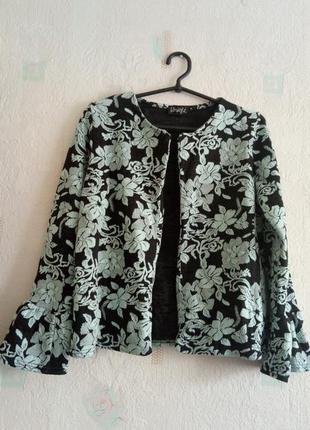 Красивый трикотажный жакет пиджак кофта цветочный узор
