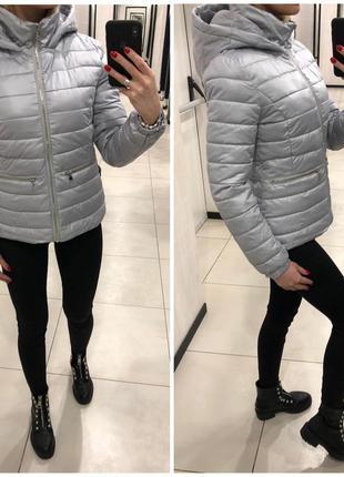 Демисезонная куртка на синтепоне серая курточка. mohito. разме...