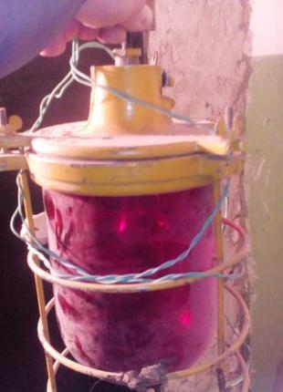 Шикарный красный фонарь