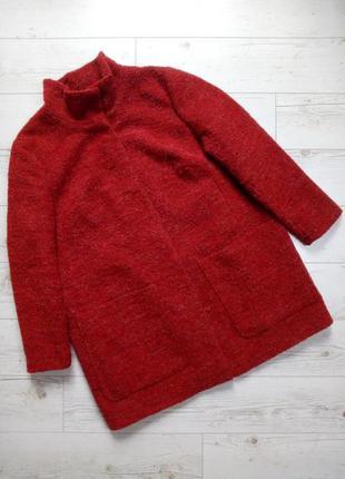 Стильное  пальто букле с карманами и воротником стойкой  р.16-18