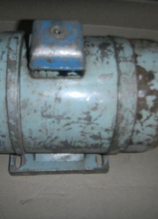 Однофазный электродвигатель АОЛБ-22-4 180Вт 1420 об.мин