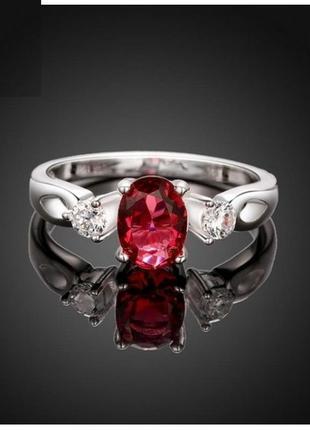 Потрясающее кольцо в серебре с кубическим цирконием, 17 р., но...