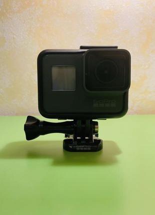 Продам GoPro Hero 5 Black + подарок