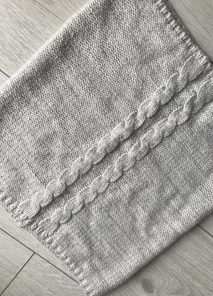 Шарф-хомут, белый шарф, серый шарф.