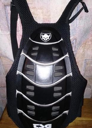 Панцирная защита спины tsg