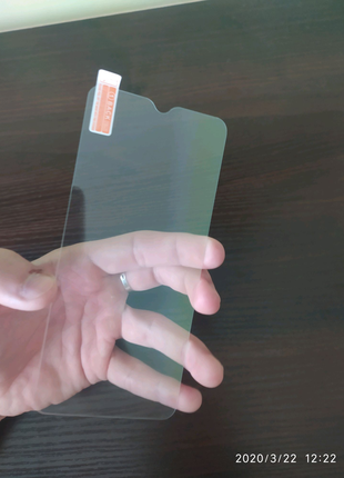 Защитное стекло на Xiaomi Redmi 8