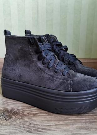 Крутые женские ботинки демина высокой подошве распродажа
