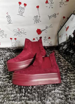 Крутые женские ботинки деми