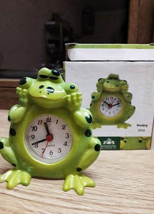 Американские часы- будильник Лягушенок, рабочие настольные