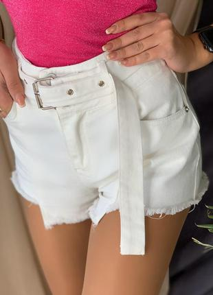 Ультрамодные женские шорты