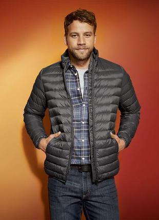 Тонкая стеганная мужская куртка