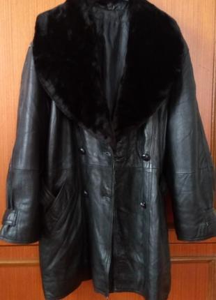 Кожаная утеплённая  куртка  съёмный воротник мутон. оверсайз.