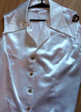 Атласная блуза.