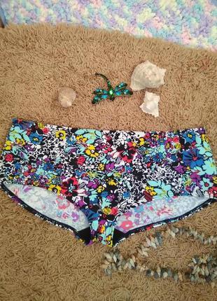 Интересные цветастые плавки шортиками трусики низ купальника б...