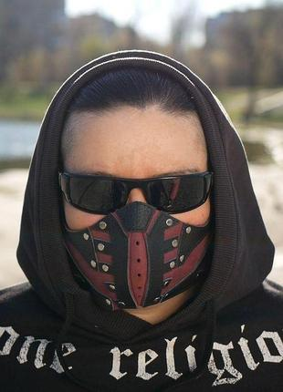 Маска для лица. кожаная маска. маска.