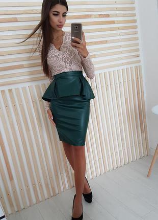 Модная юбка-карандаш миди с баской zara