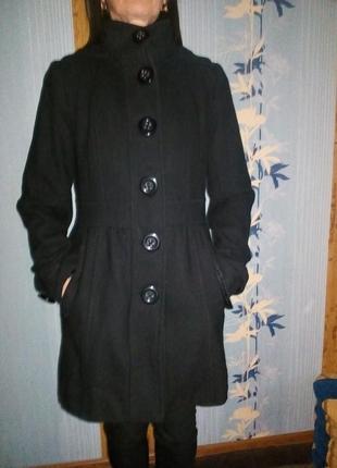 Пальто осеннее женское с капюшоном