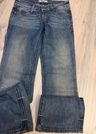 Levis джинсы распродажа р.25/32