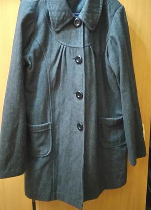 Пальто оригинального кроя